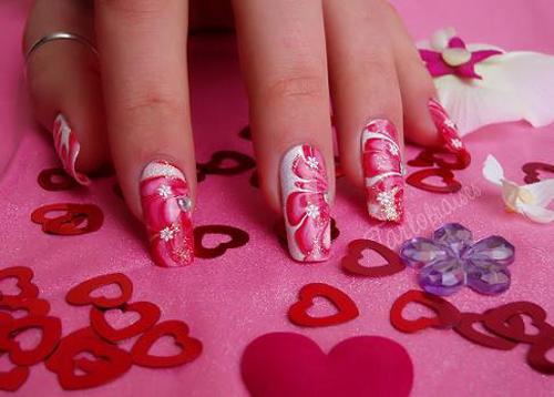 10 mẫu nail họa tiết hình trái tim đỏ đẹp lạ mắt