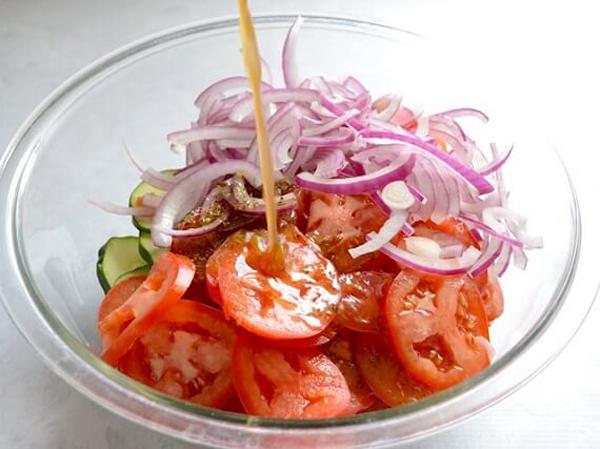 Ăn kiêng khoa học với 4 món salad