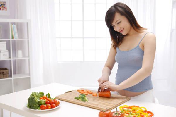 Bà bầu nên ăn thế nào để không tăng cân quá nhiều ?