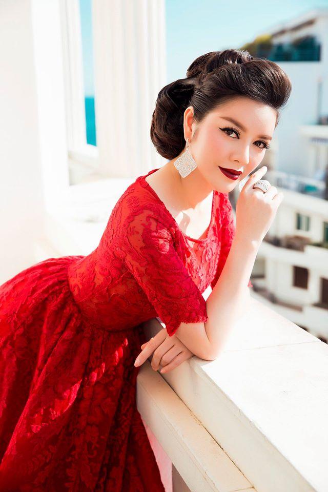 Ngắm lại vẻ đẹp hoàn hảo mọi góc nhìn tại thảm đỏ Cannes của Lý Nhã Kỳ