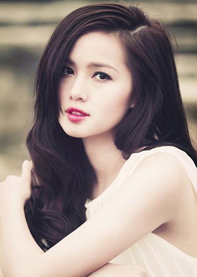 Những kiểu tóc uốn xoăn 'không thể quyến rũ hơn' của Hot Girl Việt