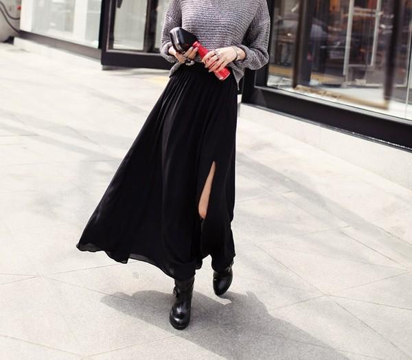 Thời trang 'hot' với chân váy xuyên thấu xẻ tà
