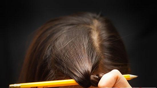 Cách uốn tóc xoăn chỉ mất 15 phút 'cực chất'