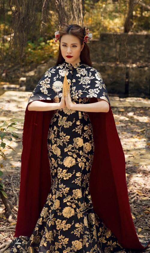 Hoàng Thùy Linh bị nghi mặc váy nhái