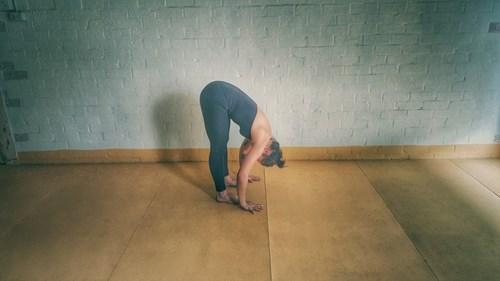 Những tư thế yoga tốt nhất vào buổi sáng, chiều và tối