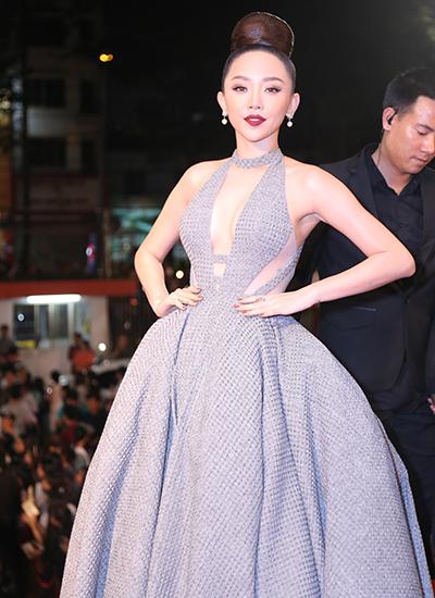 Dàn sao Việt khoe vẻ đẹp với váy thiết kế khoét sâu, ôm sát cơ thể