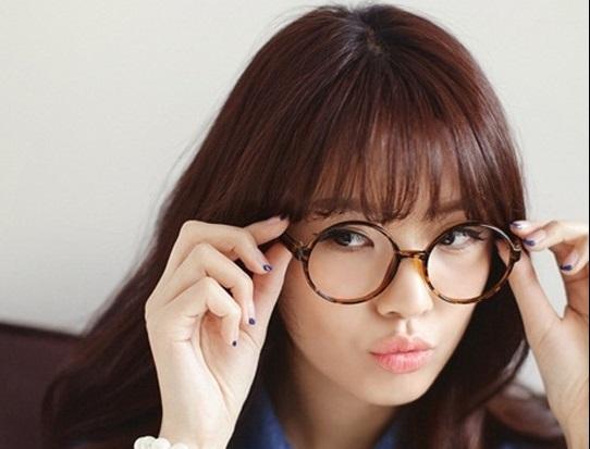 Cô nàng dịu dàng trẻ trung với kiểu tóc phong cách Hàn Quốc