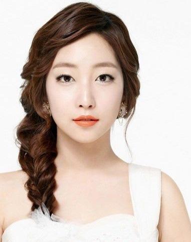 Tạo kiểu tóc cô dâu đẹp như Hàn