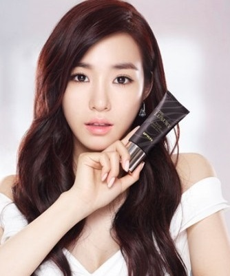 Tóc uốn xoăn đẹp 2017 phong cách Hàn Quốc cho khuôn mặt dài