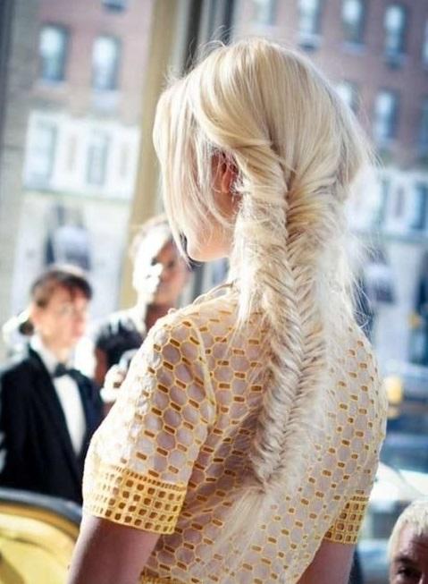 7 kiểu tóc cho cô nàng khuôn mặt chữ điền