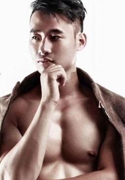 """Tăng 23kg nhờ tập gym, 9x ĐH Công Đoàn """"lột xác"""" thành hot boy"""