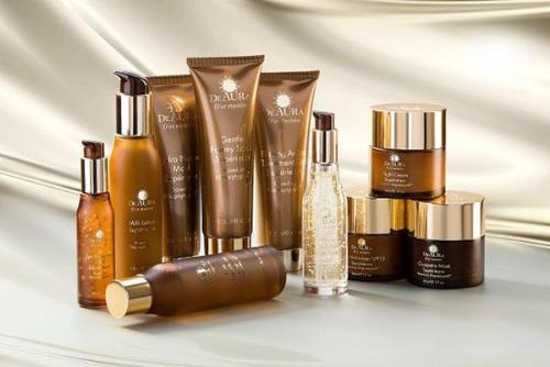 Chăm sóc da với trọn bộ mỹ phẩm Deaura