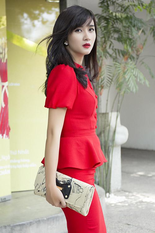 Vẻ xinh đẹp hơn người của 2 sao Việt lấy chồng từ năm 19