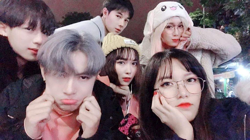 Hội bạn thân trai xinh gái đẹp nổi tiếng Hà Thành