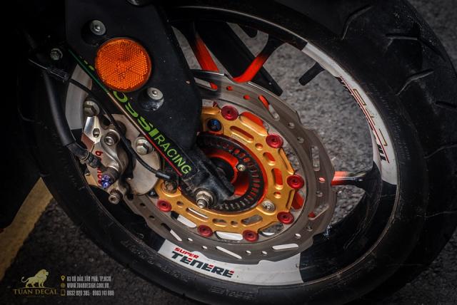 Yamaha NVX 155 độ phong cách Repsol lạ lẫm