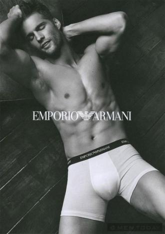 Prada Men's và Emprorio Armani và chiến dịch thu đông 2013
