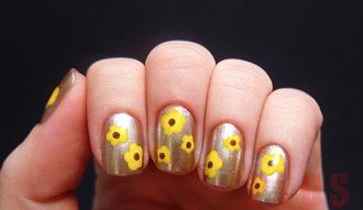 9 kiểu móng tay hình hoa cá tính cho nàng