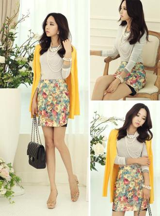 Chân váy bút chì in họa tiết mang phong cách Hàn Quốc