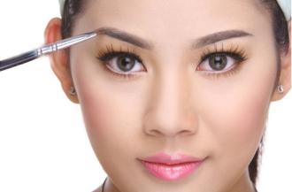 Hướng dẫn trang điểm cho da mặt nhờn dầu