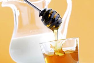 Làm đẹp bằng mật ong với sữa tươi tinh dầu ôliu