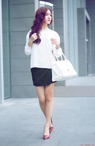 Sơ mi trắng phong cách Hàn Quốc cho nàng thanh lịch