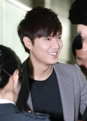 Để tóc tỉa layer ngắn đẹp như Lee Min Ho