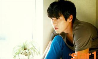 Thời trang đơn giản nhưng ấn tượng của Hyun Bin trên tạp chí