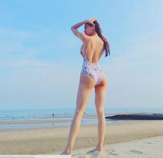Hà Hồ, Phạm Hương, Ngọc Trinh... ai diện bikini đẹp nhất ?