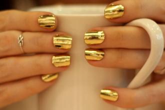 Kiểu nail màu vàng cho nàng quyến rũ