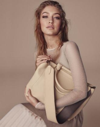 Gigi Hadid - một nửa hoàn hảo của Max Mara ấn tượng