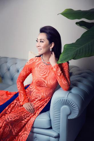 MC Nguyễn Cao Kỳ Duyên căng tràn nhựa sống