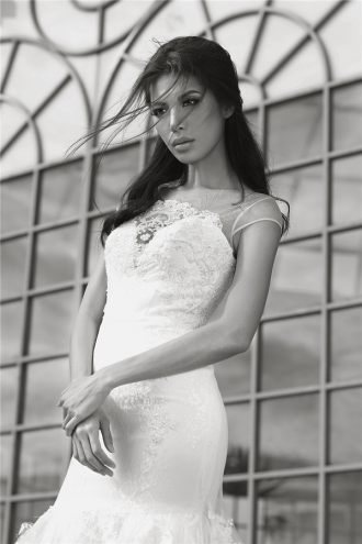 Minh Tú diện váy cưới đẹp như thiên thần