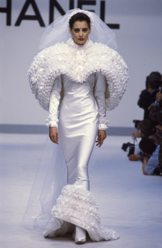 Những mẫu váy cưới tạo dấu ấn của Chanel