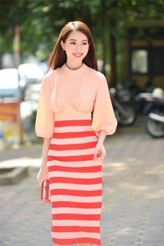 Thu Thảo, Kỳ Duyên, song hậu đọ sắc với váy áo lịch lãm