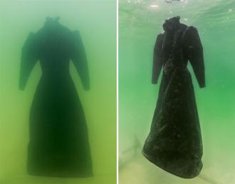 Bí mật về chiếc váy ngâm trong lòng biển Chết 2 năm