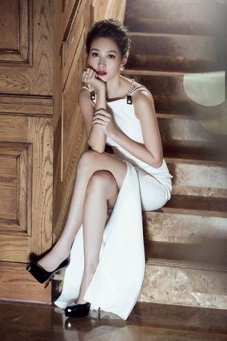 Bí quyết đẹp mọi phong cách của hoa hậu 'vạn người mê'