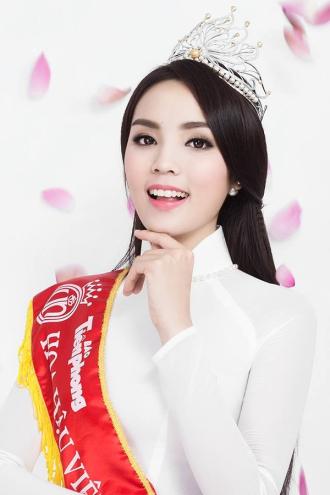 Hoa hậu Việt Nam nào cũng có một scandal để đời!