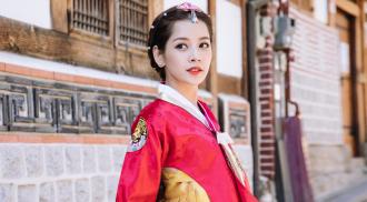 Chi Pu xinh xắn trong trang phục hanbok tại Hàn Quốc