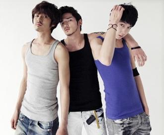 Teen boy năng động với ba lỗ nam phong cách Hàn