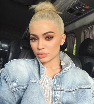 3 kiểu make up biến cô nàng Kylie Jenner thành hot girl số 1 Hollywood
