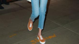 Học 'lỏm' Gigi Hadid cách mặc quần jeans lửng hợp mốt