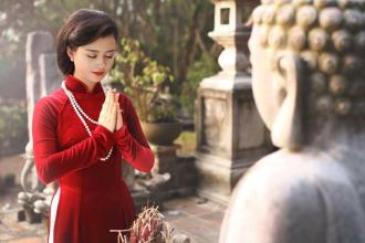 'Mặc áo dài đi lễ đầu năm là dấu ấn văn hóa Việt'