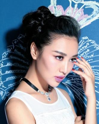 Cách búi tóc cao đẹp 2017 giống sao Kpop Hàn Quốc xinh xắn
