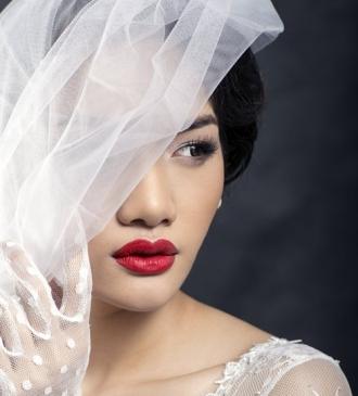 Muôn kiểu tóc cô dâu quyến rũ trong ngày cưới