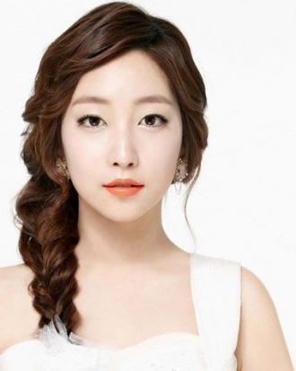 Những kiểu tóc tết cô dâu đẹp các sao Hàn Quốc 2017