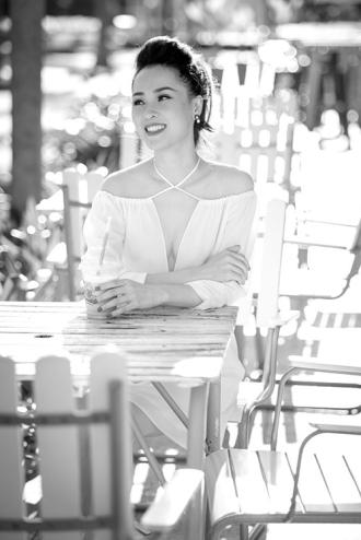 Á hậu Thái Như Ngọc thảnh thơi vì không thích bon chen showbiz