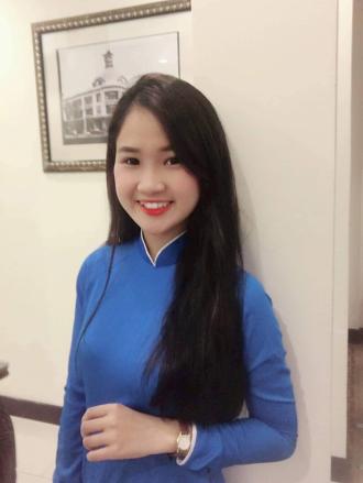 Cô sinh viên khoa Luật xinh đẹp khiến nhiều người ngưỡng mộ