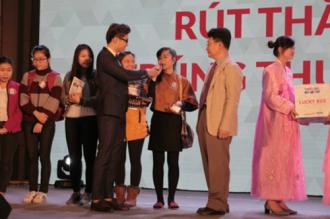 Khách hàng 2 miền nhận thưởng lớn tại Triển lãm thẩm mỹ