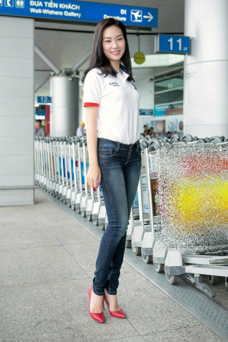 Thùy Linh đại diện VN tham dự Hoa hậu Du lịch