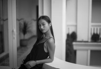 Vẻ đẹp đậm chất điện ảnh của con gái đạo diễn Trần Anh Hùng